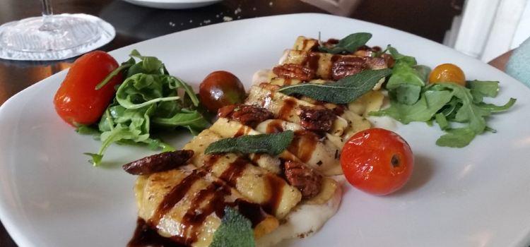 Livingston Restaurant2