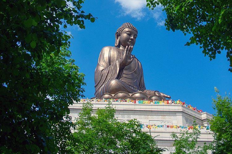 Dunhua Gold Peak Giant Buddha4