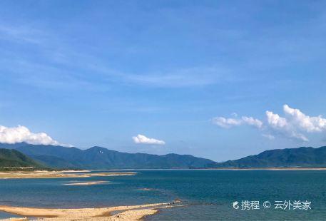Daguangba Reservoir Tourist Zone