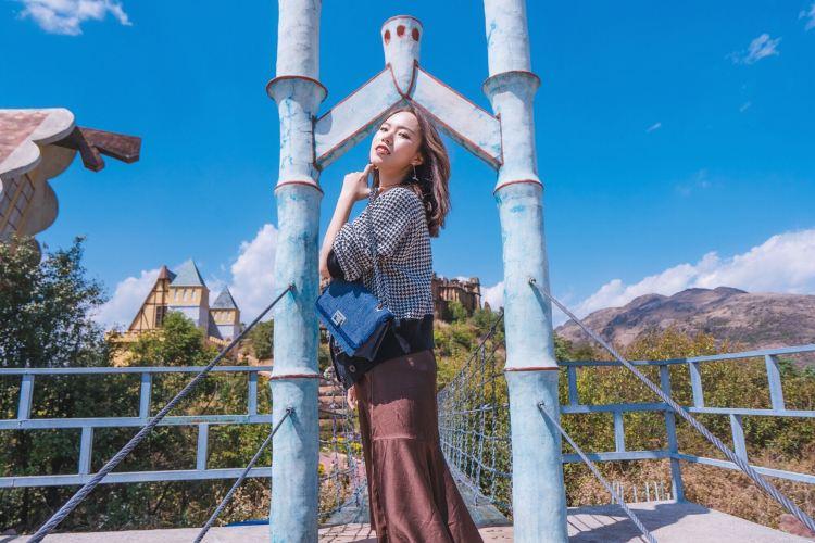 Window on China Theme Park3