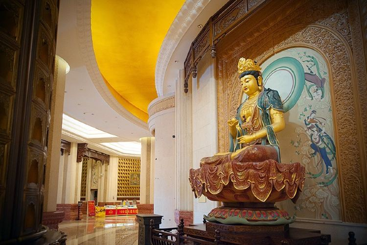 Dunhua Gold Peak Giant Buddha2