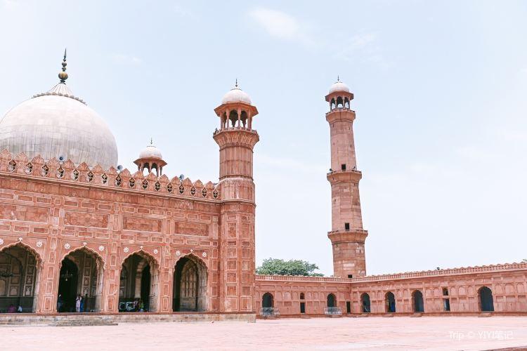 Badshahi Mosque4