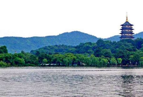 Yingzhou West Lake
