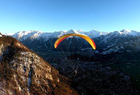 因特拉肯滑翔傘