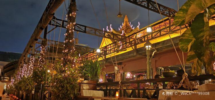Bopha Phnom Penh - Titanic Restaurant1