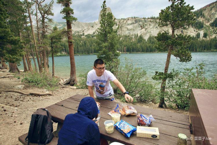 Mammoth Lake4