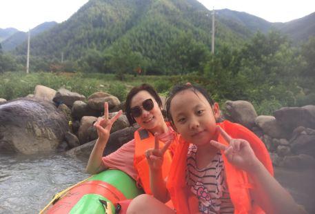 Tonglu Luciwan Xiaoyue Farm Family