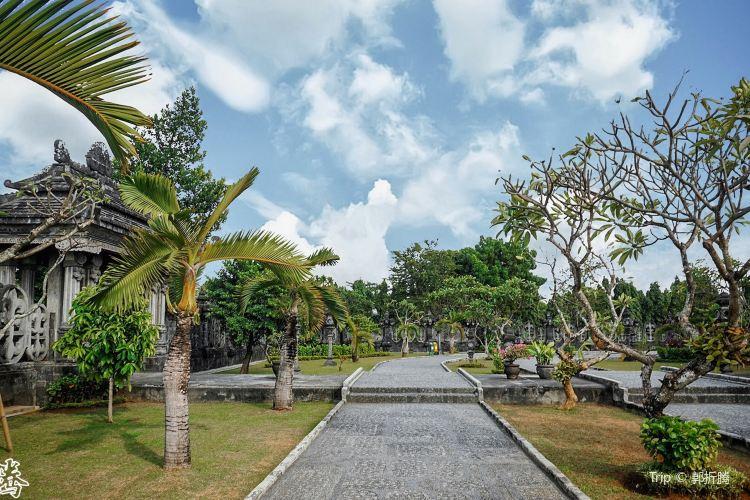 Bajra Sandhi Monument4