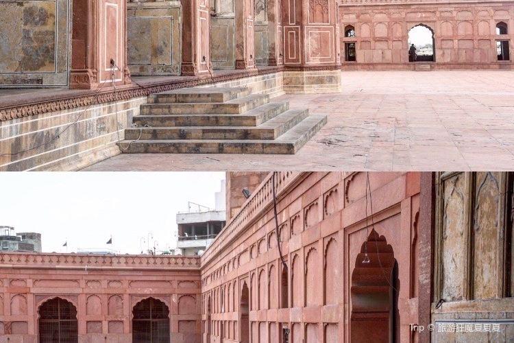 Badshahi Mosque3