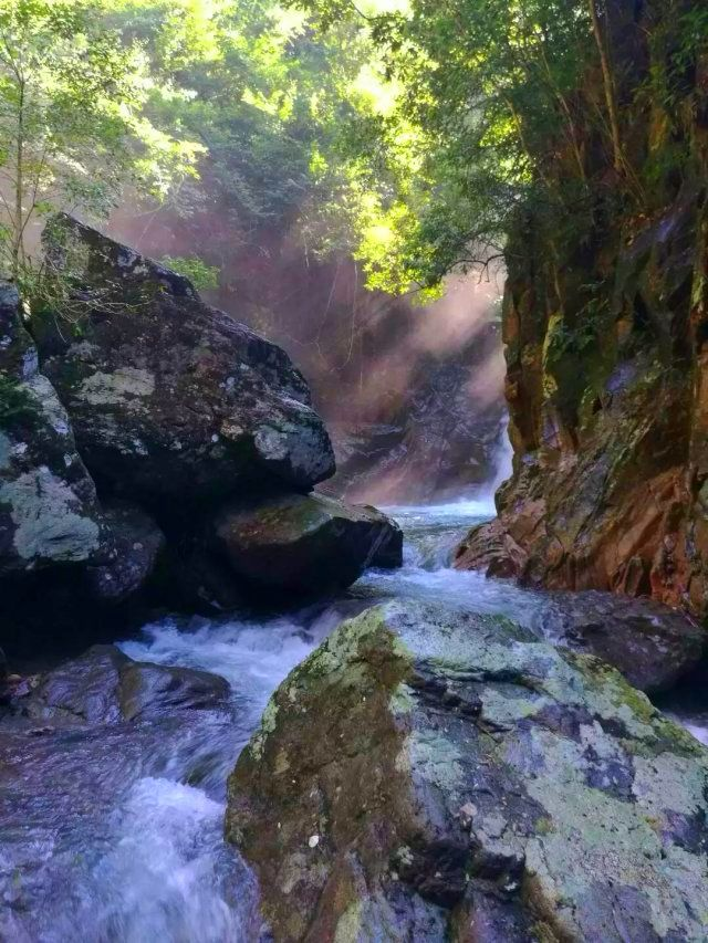 Qinglong (Green Dragon) Waterfall