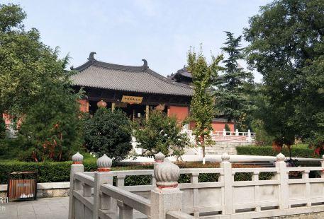 Yuantong Temple Amusement Park