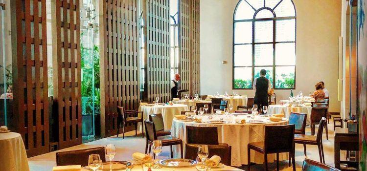 Restaurant Guy Savoy1