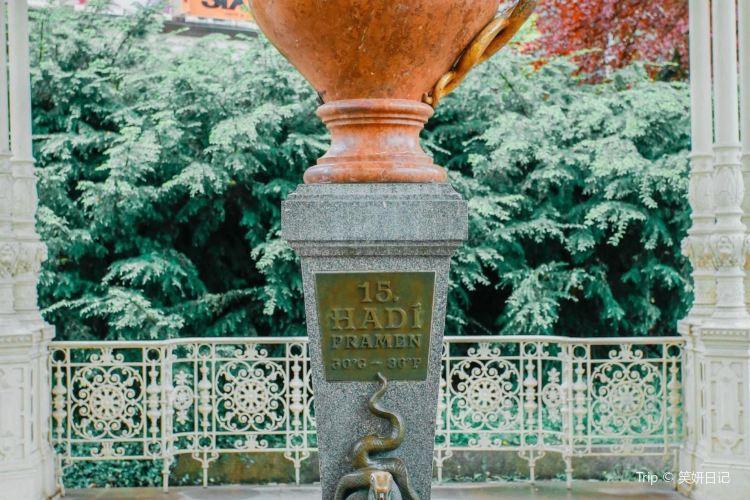 Park Colonnade1