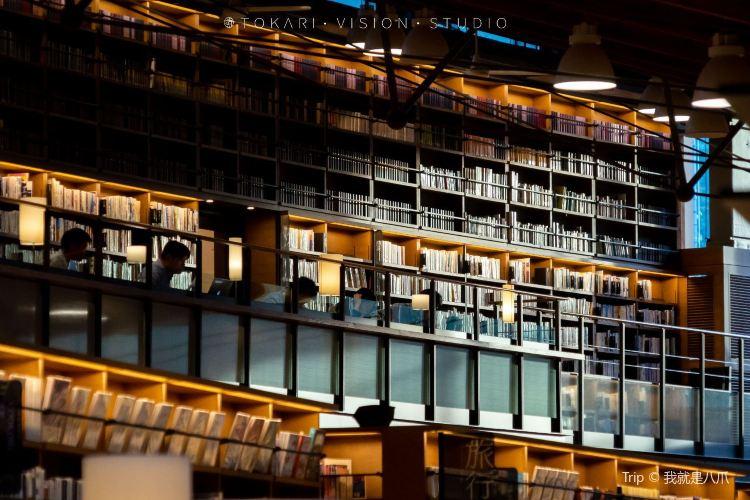 武雄市図書館4