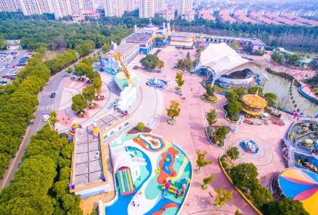 Zhangjiagang Jiyang Lake Happy World
