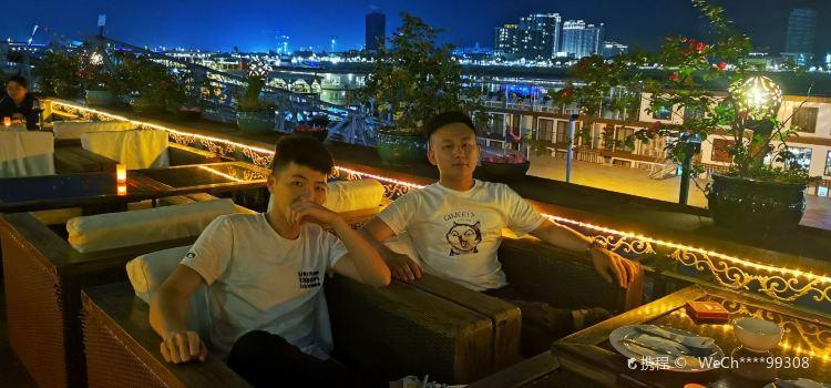 Bopha Phnom Penh - Titanic Restaurant2