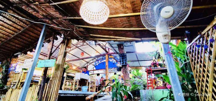 Jungle Kitchen3