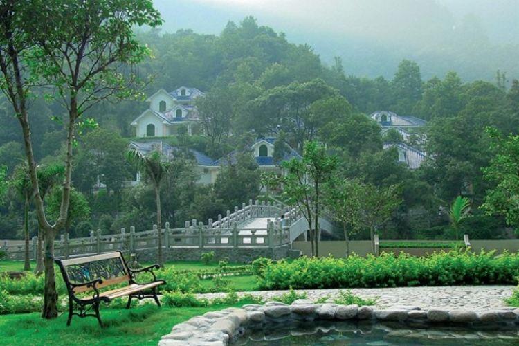 Shaoguan Guangdong First Peak1