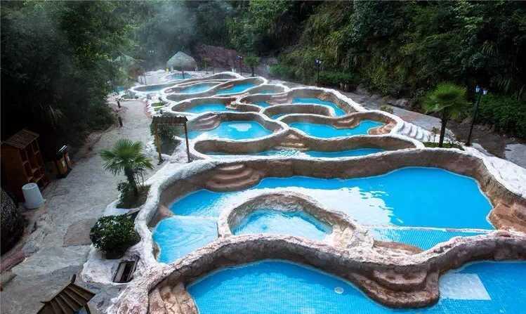 九寨溫泉度假莊園