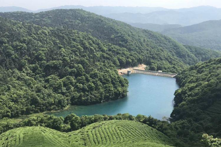 둥첸호 푸취안산 관광지