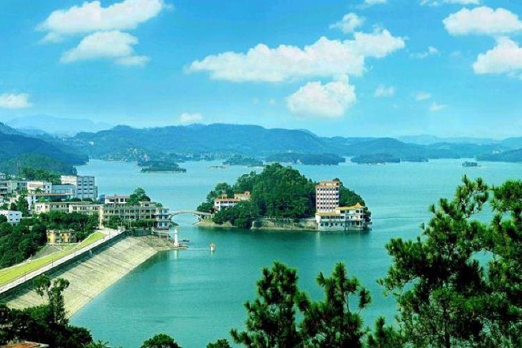 Yuhu Scenic Area1