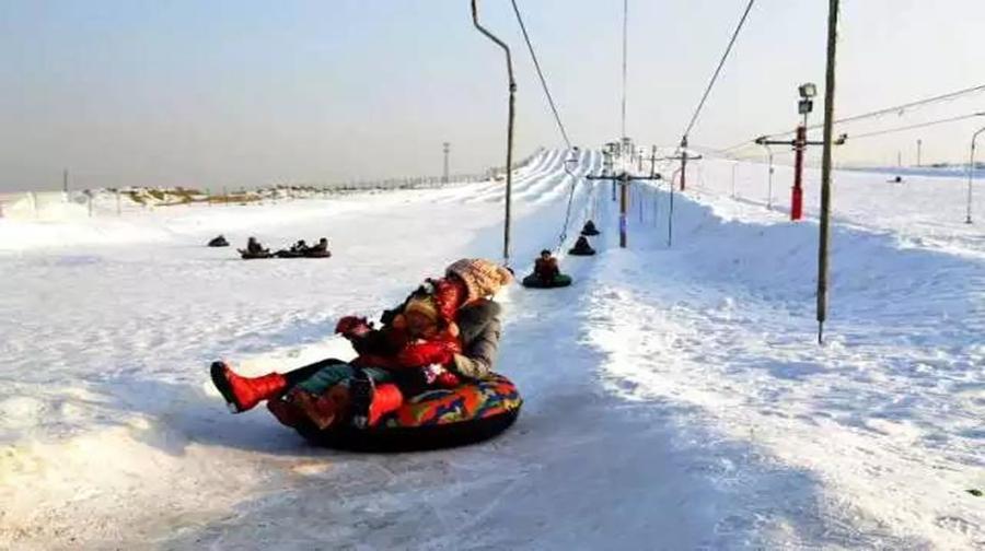 西湖滑雪場