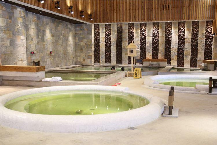 Hanna Mountain Hot Springs Resort2