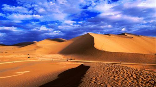 騰格里沙漠天鵝湖