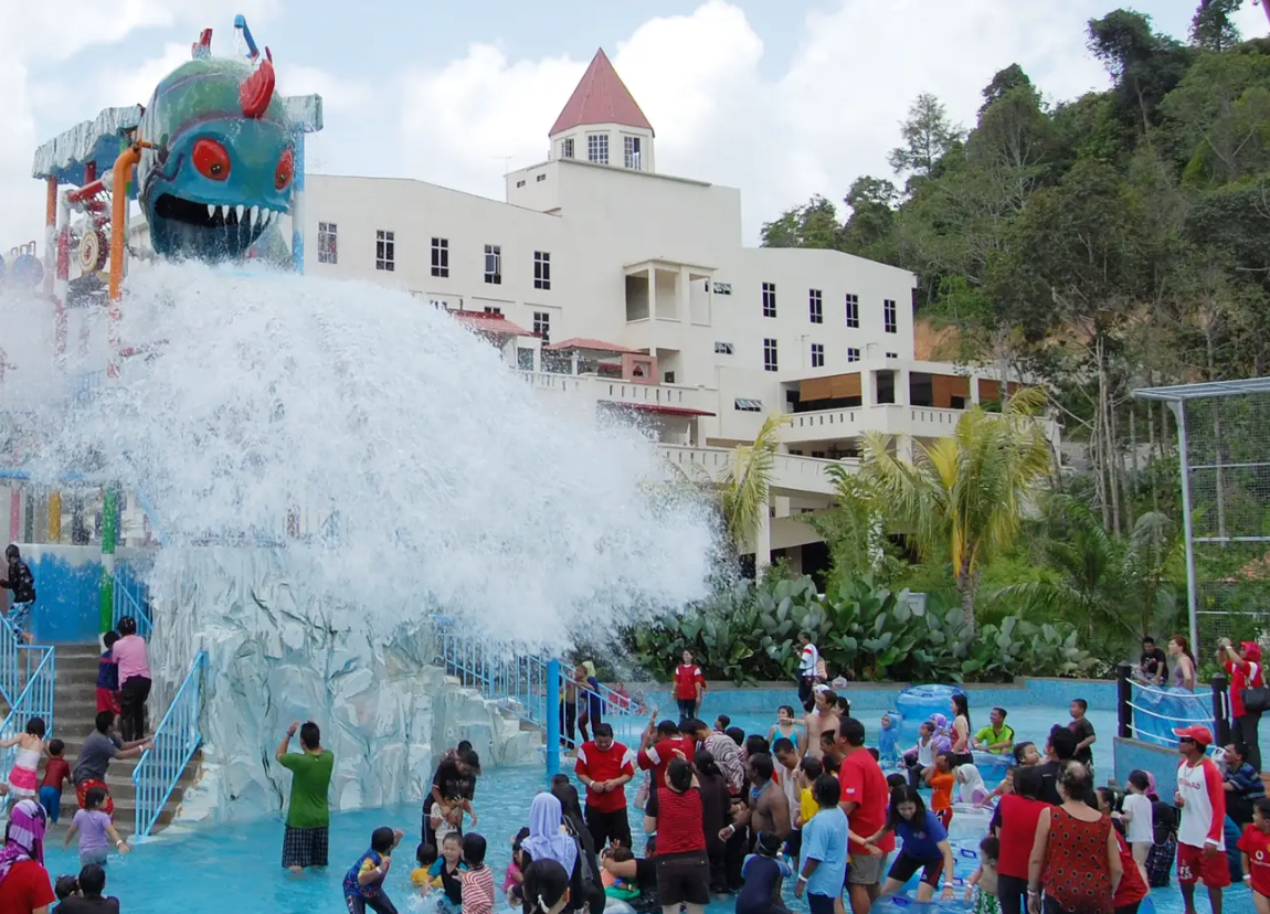 Bukit Gambang Resort City- Water Park