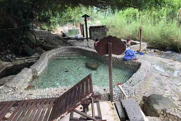 Qi Xian Yao Chi Wild Hot Springs1