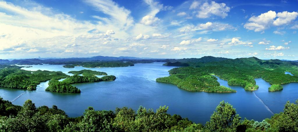 Xiannü (Fairy) Lake