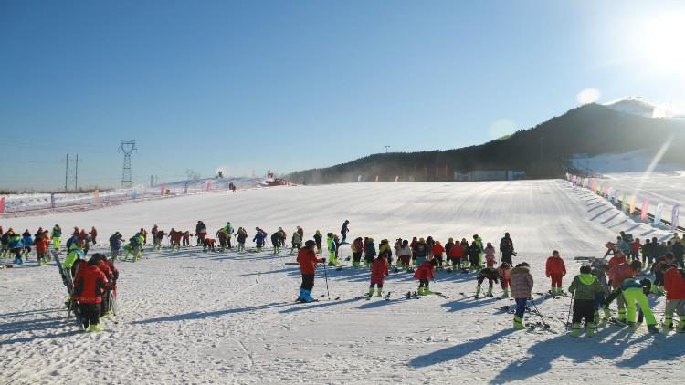 蓮花山滑雪場