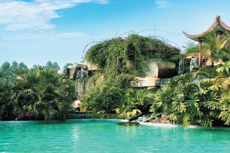 Xinyinzhan Hot Spring Holiday Resort1