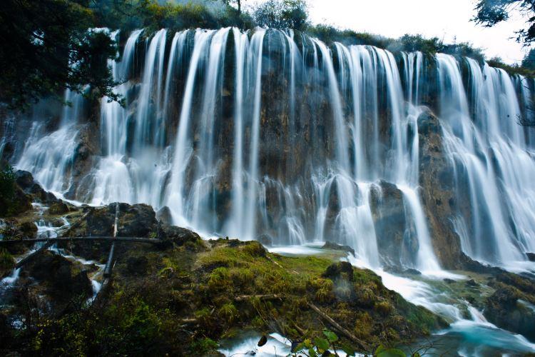 Zhenzhutan Waterfall3