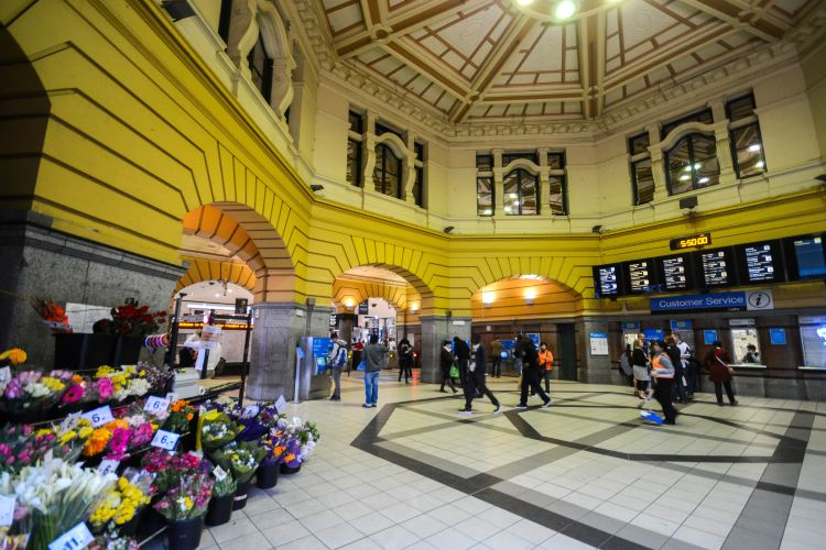 Flinders Street Railway Station1