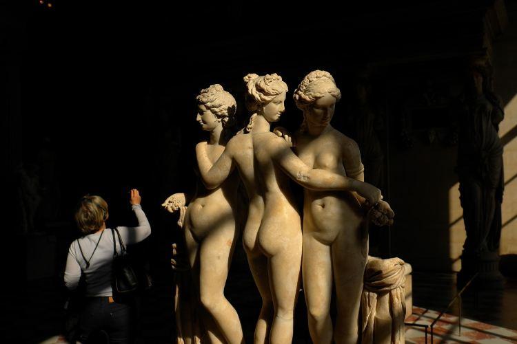 Louvre Museum3