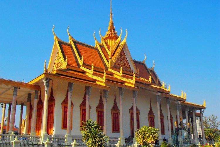 Royal Palace3