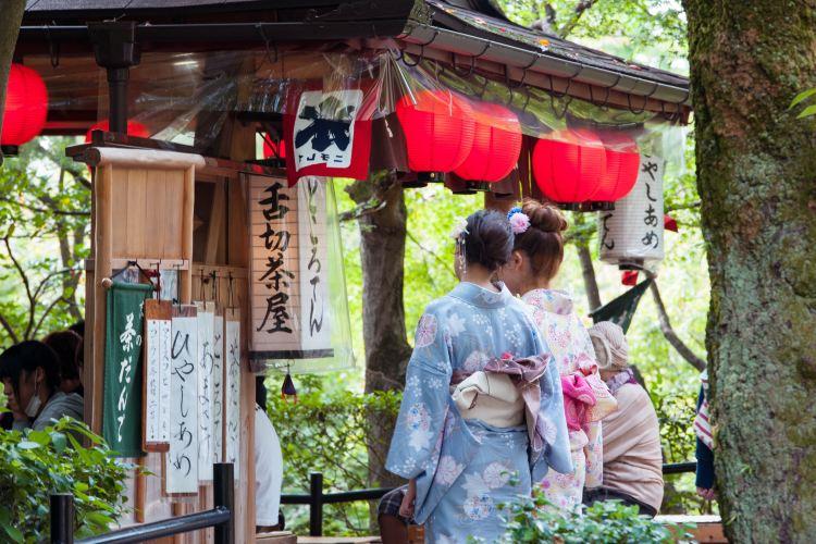 Kiyomizu-dera Temple1