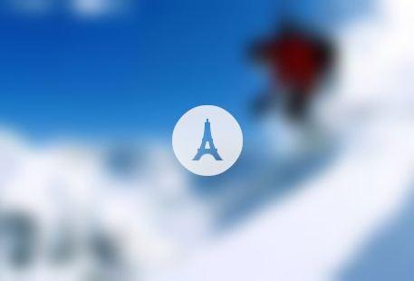 Le Petit Fromage Ski & Snowshoe Tours with Fondue