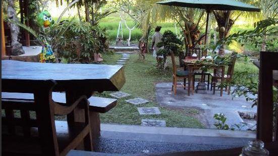 Yeh Pulu Cafe