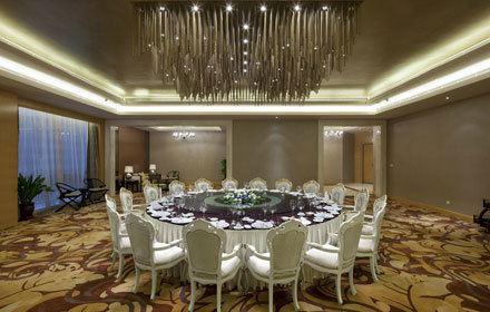 呼和浩特巨華國際大酒店餐廳·天穹旋轉餐廳