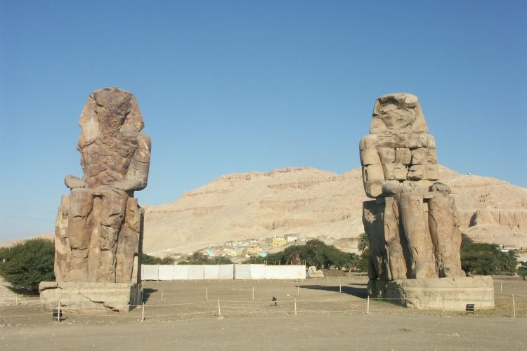 Colossi of Memnon4