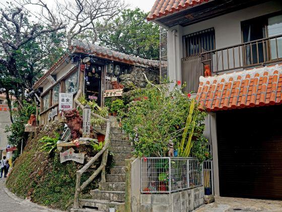 Tsuboya Pottery Museum