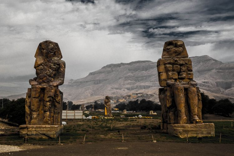 Colossi of Memnon3