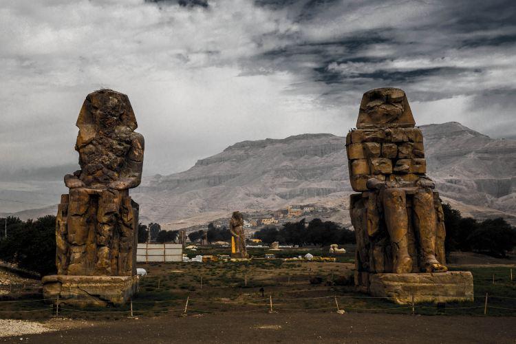 メムノンの巨像3
