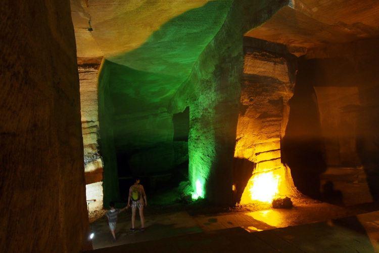 Huashan Mystery Cave3