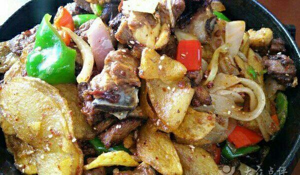 天路美食城特色烤肉1