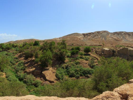 吐峪溝大峽谷