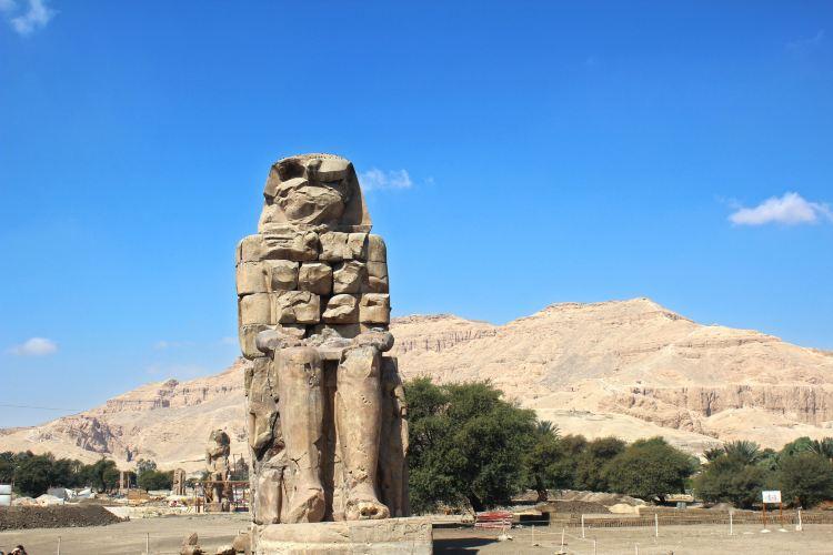 メムノンの巨像1