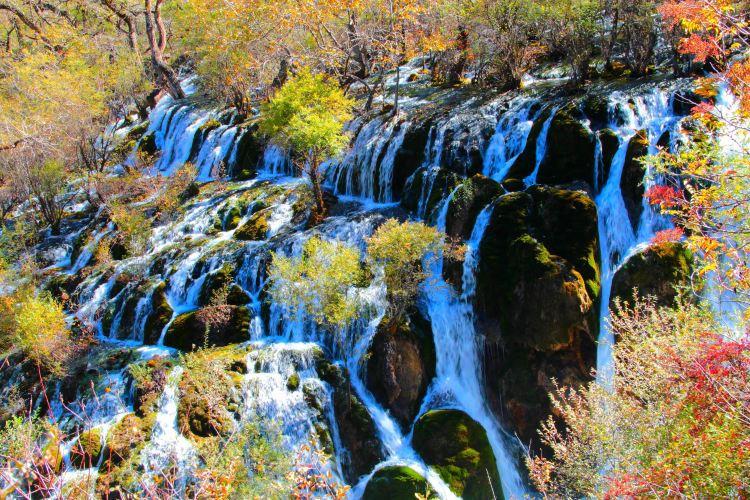 Zhenzhutan Waterfall2